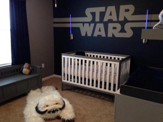 quarto de bebe detalhes escuros