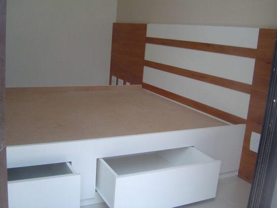 Cama planejada para quarto de casal