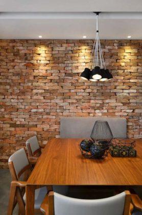 Parede de concreto ou tijolo exposto ou sem reboco
