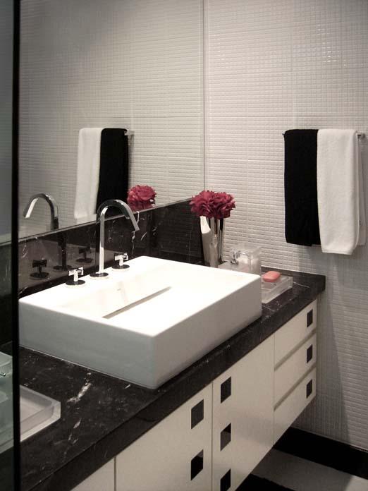 Banheiro preto e branco Dicas de decoraç u00e3o e inspirações!