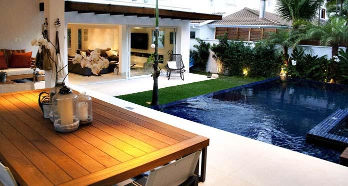 Varanda gourmet com piscina