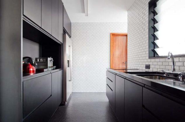 Cozinha com piso de pastilha