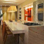 cozinha decorada com luminaria