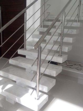 Mármore branco para escada
