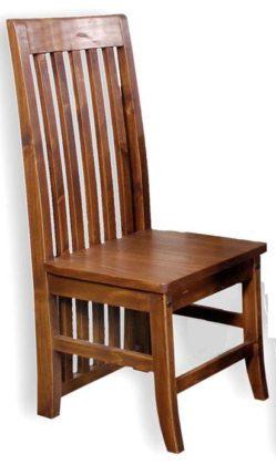 Bancos e cadeiras de madeira de demolição