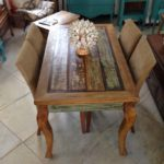 Mesas de madeira de demolição