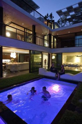 piscina moderna