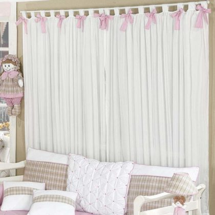 quarto de bebe decorado com cortina