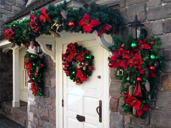Enfeites de natal para a porta de entrada