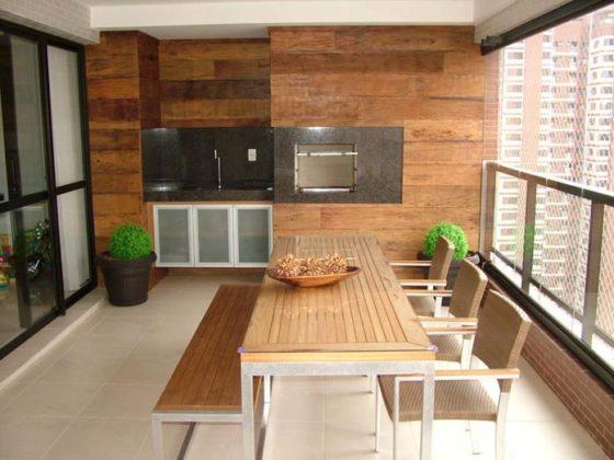 varandas com decoração em madeira