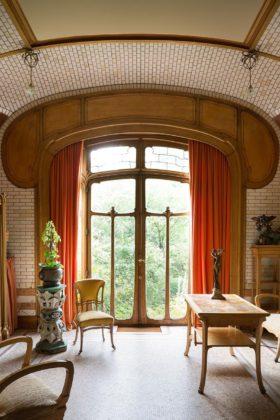 sala com decoração Art Nouveau