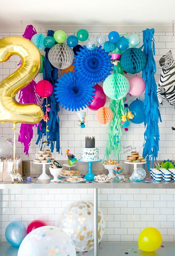Muitas cores pela decoração