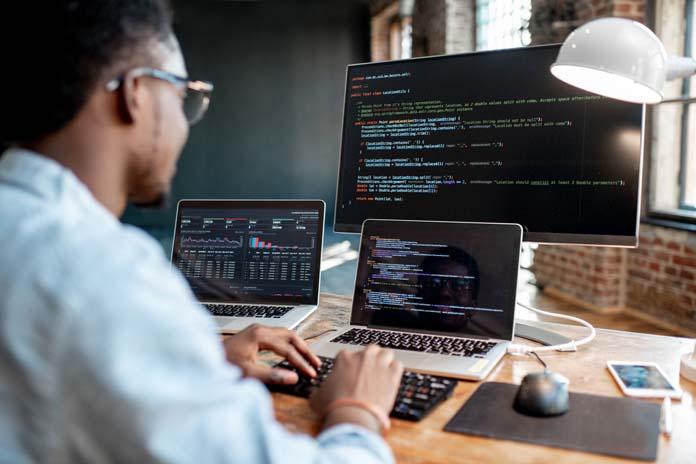 profissões que estão morrendo: Engenheiro de software