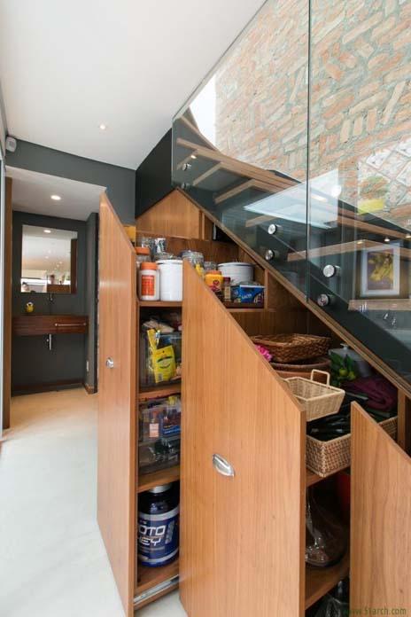 Escada com armários