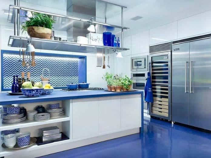 cozinhas coloridas e charmosas