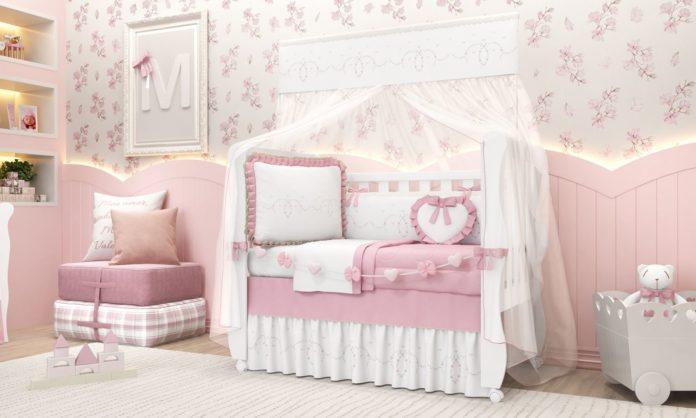 quarto de menina com decoracao em rosa clara, delicado e feminino