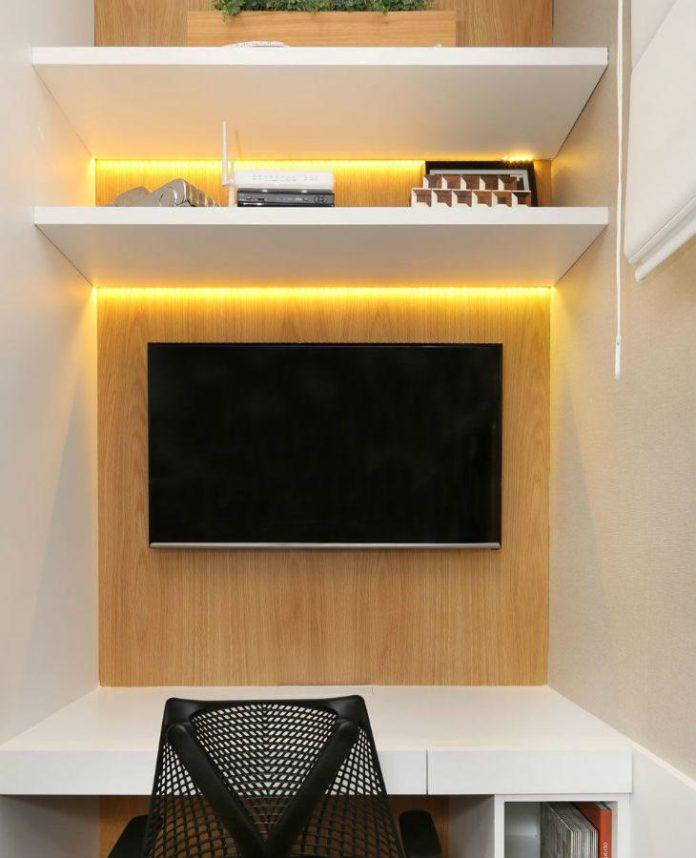 painel de tv com led amarelo
