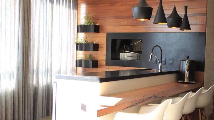 balcão de madeira para área gourmet