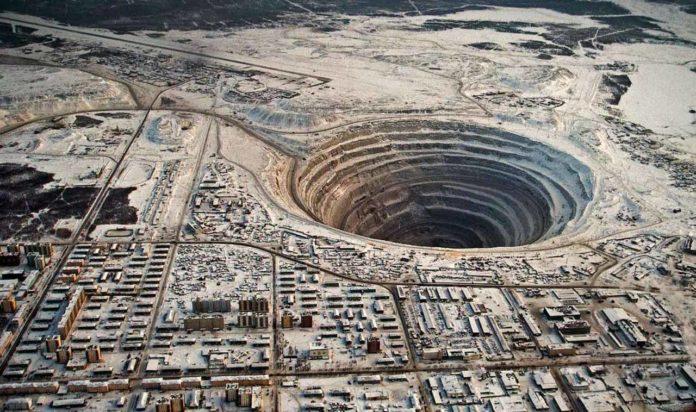 Minas de diamante de Mirny