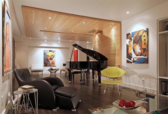 instrumento piano na sala