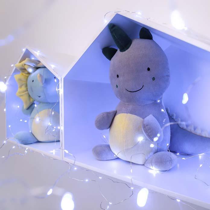 fios de luz em quartos de bebes