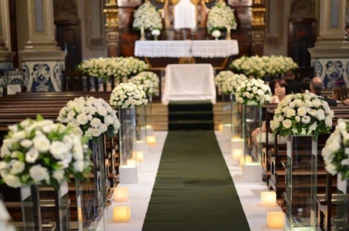 arranjos baixos para a passagem da noiva