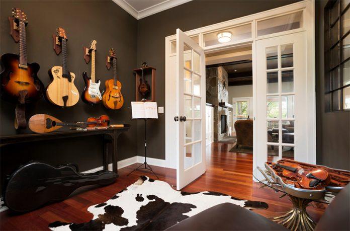 decoração com instrumento para o quarto