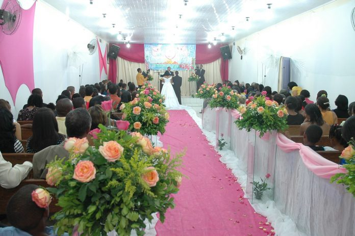 Decoração de casamento na igreja evangélica