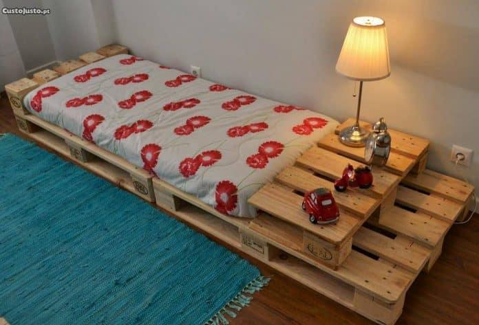 Mesa de pallet para quarto de hospede