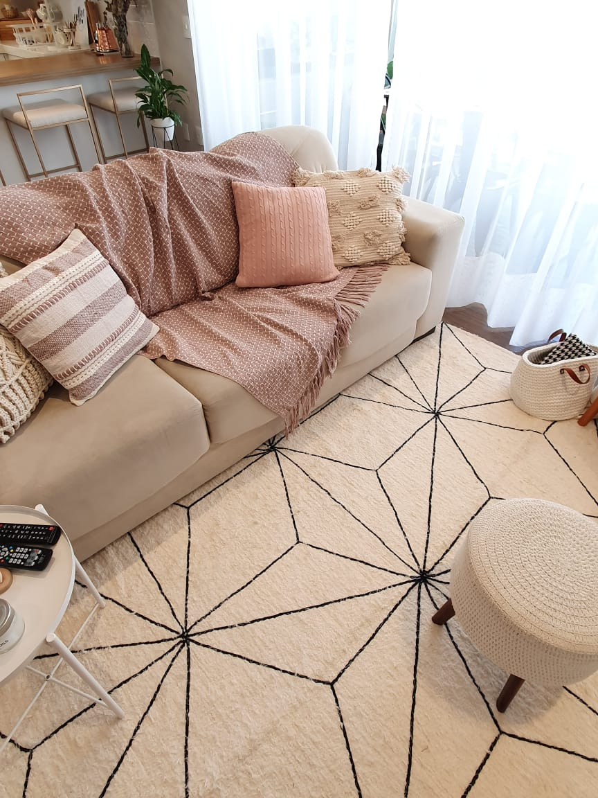 tapete com desenhos em formatos geométricos