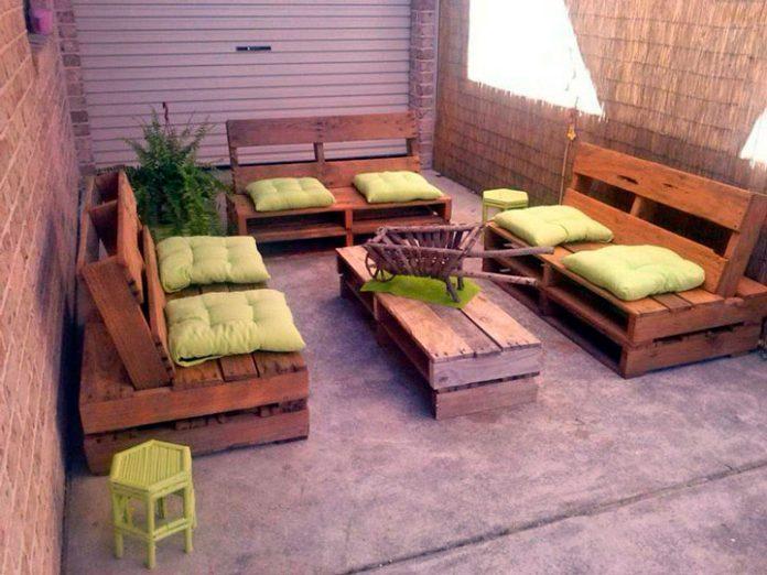 Como fazer Cadeiras e Mesas recicláveis para sua área externa