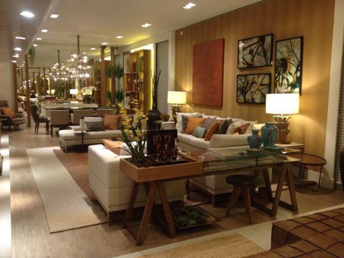 decoração com cavaletes para um sala de estar
