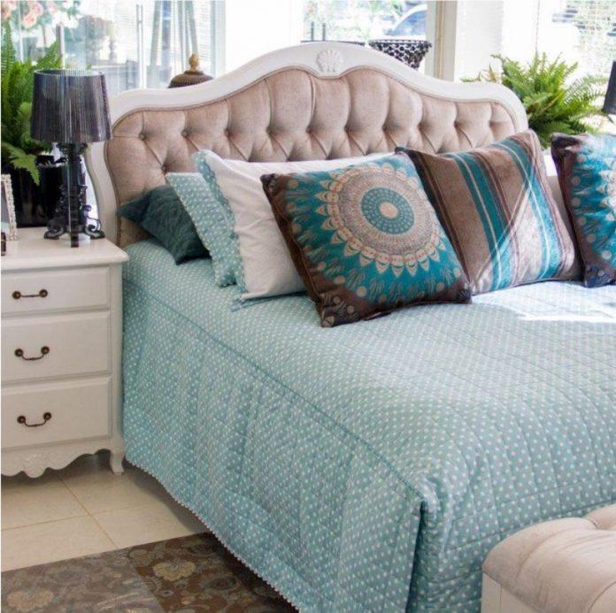 curvas maravilhosas da cama no estilo provençal