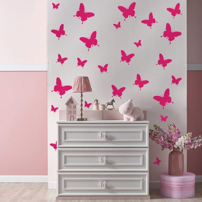 Como mudar um ambiente sem mudar os móveis nem pintar a parede?