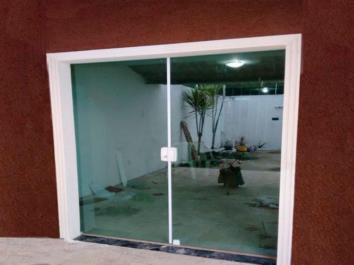 porta de vidro