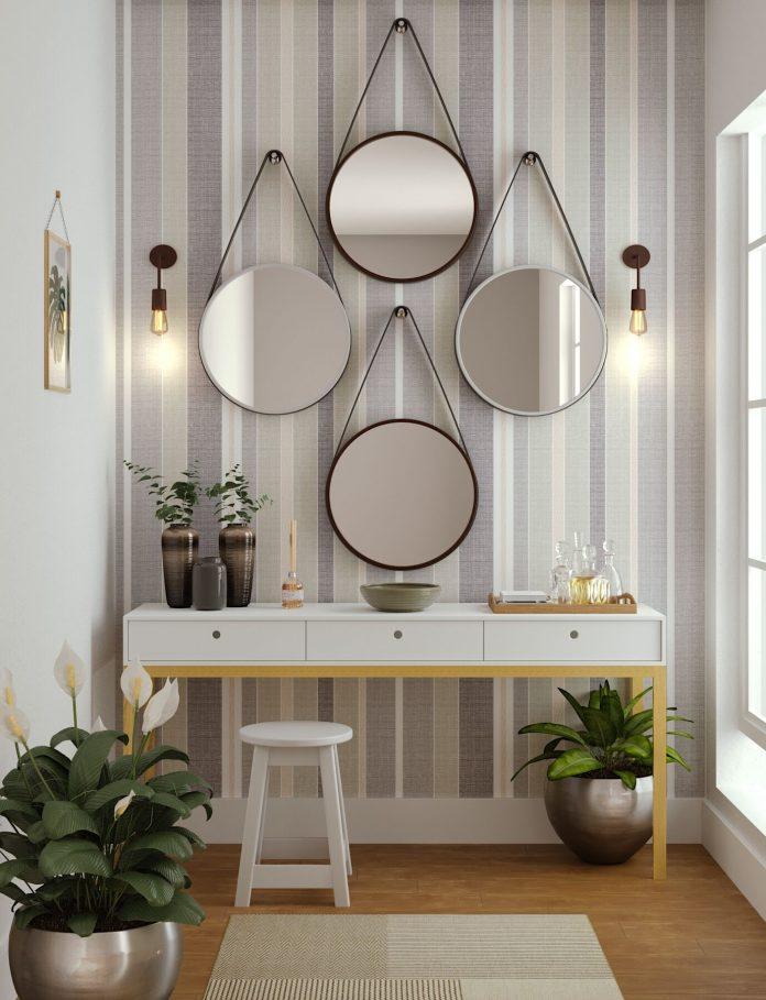 espelho redondo para a decoração de um hall de entrada, combinação de quatro espelhos