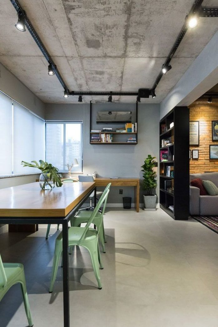 Outra vista de como colocar uma mesa no estilo industrial na sala