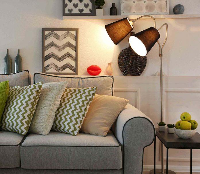 Luminária de chão para leitura na sala