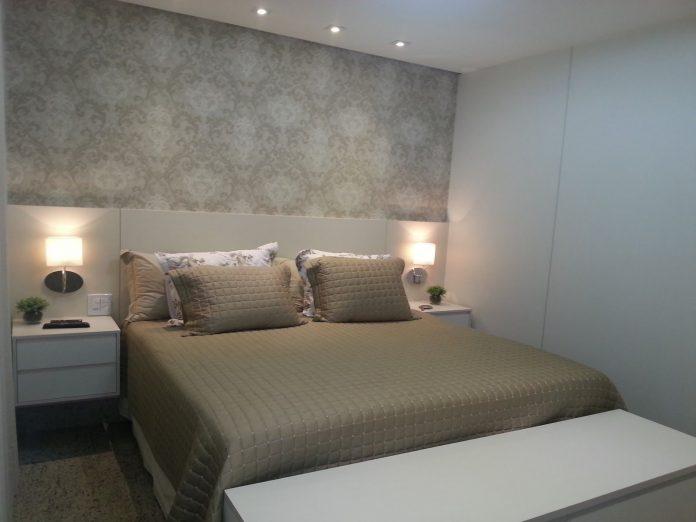 Luminária de parede para colocar do lado da cama