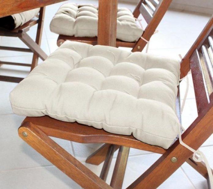 almofada de futon como assento de cadeiras, trazendo beleza e charme ao ambiente fora o conforto é claro