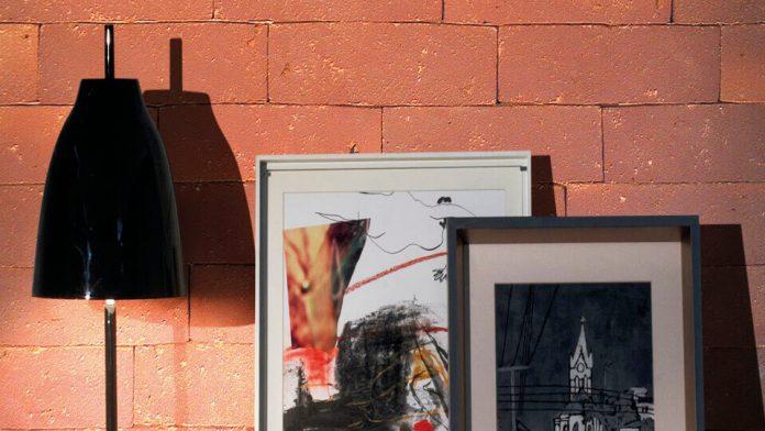 Contraste entre peças de decoração e o efeito do tijolinho