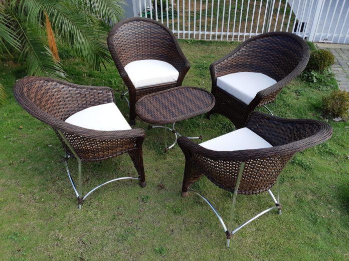 Cadeira para Área Externa: Como Escolher Modelos Lindos e Resistentes